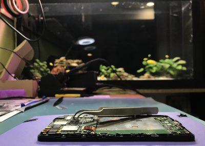 zamena-ekrana-na-iphone-mobilnim-telefonima